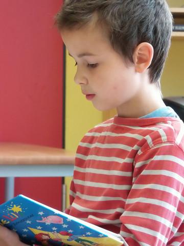 Schüler beim Vorlesen