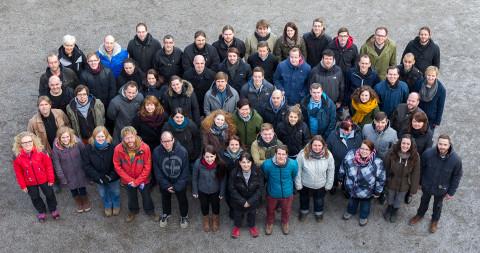 Teamfoto mit Schulbegleitern 2015
