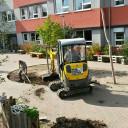 SteinMalEins im Paradies_Arbeitseinsatz für die Schulhofgestaltung im Oktober 2017
