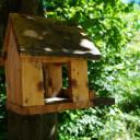 Kita BiLLY von außen: Vogelhäuschen im Garten