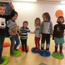 Schwabenhaus_neue Balancekissen für die Kinder