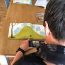 Simone liest Kinderbücher ein und produziert kleine Videoclips
