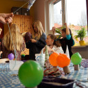 Kreativprojekt_SteinMalEins_Paradies_grazile Leuchtobjekte entstehen.jpg