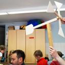 Wackelzahn_Kunstwoche unserer drei QuerWege-Kita's_in der Holzwerkstatt_Windräder werden gebaut