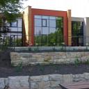 Das Schulgebäude von außen.