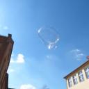 Seifenblasen auf dem Schulhof in Lobeda.