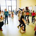 UniverSaale_SteinMalEins_Bunte Kooperation beider Schulen für eine tolle Zirkusshow_Proben in der Aula